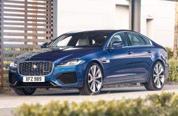 Обновлённый седан Jaguar XF начали продавать в России