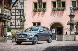 Mercedes отправит на сервис кроссоверы GLC в России