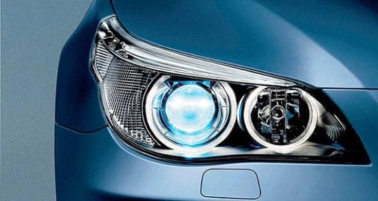 Почему так важны ксеноновые лампочки в фарах автомобиля?