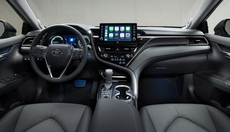 Обновлённую «Тойоту Камри» начали продавать в России