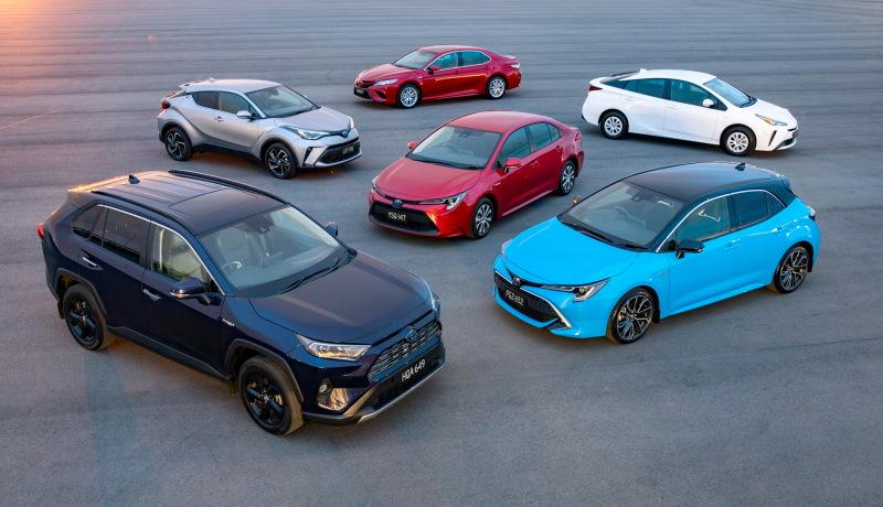 Марка Toyota неожиданно стала лидером продаж в США