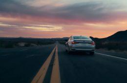 Lexus анонсировал премьеру обновленного седана ES
