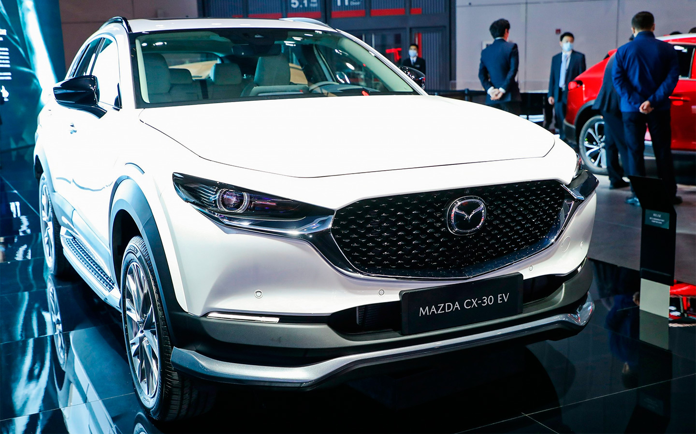 Кросcовер Mazda CX-30 превратили в электрокар