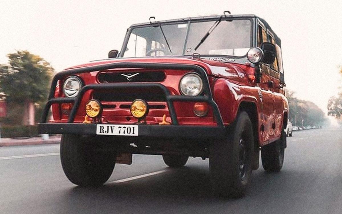 Необычную модификацию классического УАЗ-469 сфотографировали в Индии