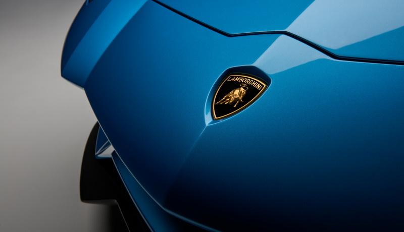 Lamborghini откажется от выпуска автомобилей с традиционными двигателями