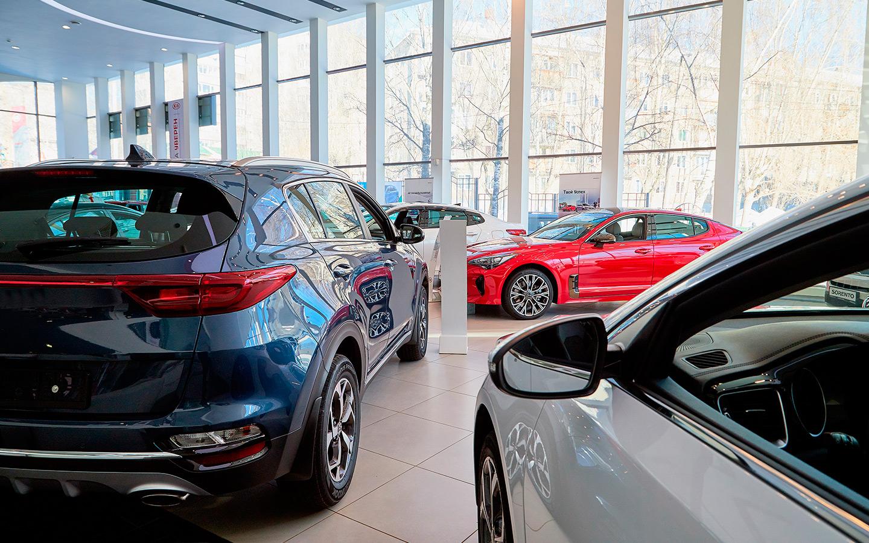Продажи машин в России выросли почти на 300% по сравнению с апрелем 2020