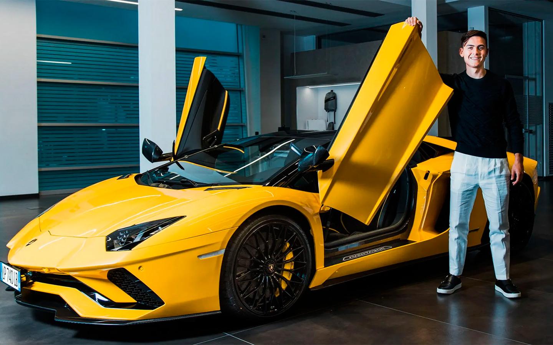 Пауло Дибала отметил 100-й гол за «Ювентус» покупкой родстера Lamborghini