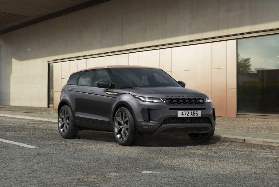 Land Rover раскрыла рублевые цены новых спецверсий Evoque и Discovery Sport