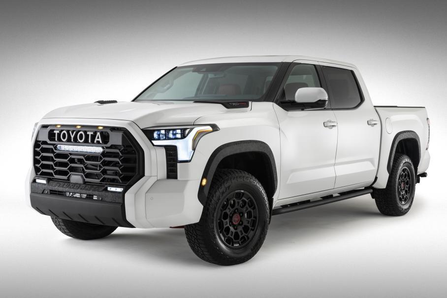Новый пикап Toyota Tundra полностью раскрыт на официальном снимке