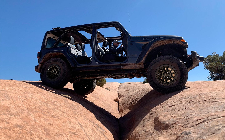 Jeep Wrangler получил сверхпроходимую модификацию