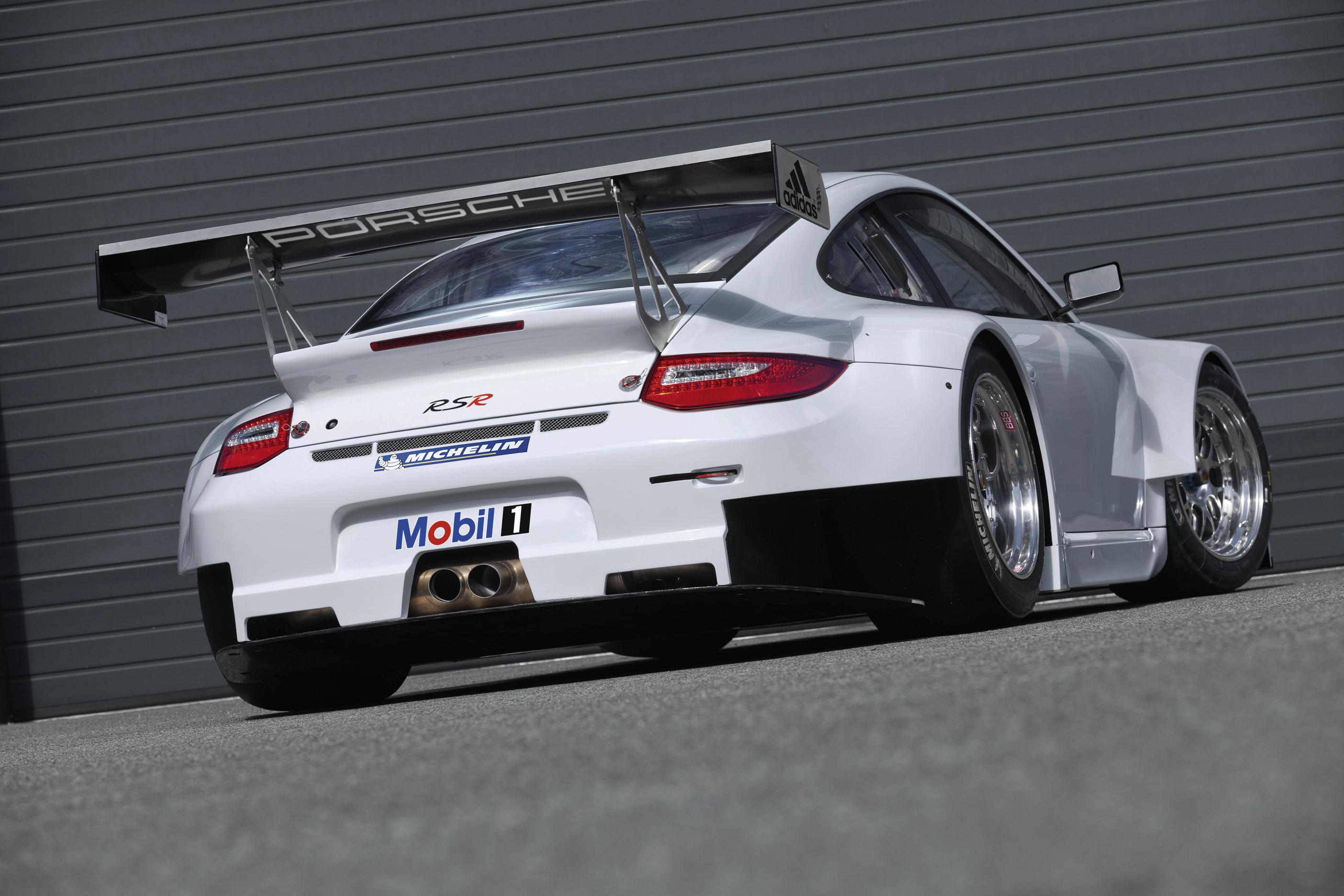 Porsche 911 GT3 Touring: нет фиксированного заднего антикрыла, а мотор, как у «обычного» GT3