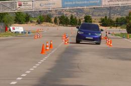 Volkswagen ID.4 не справился с «лосиным тестом». Электрокроссоверу помешала система стабилизации