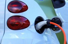 В России удвоили сумму поддержки отечественных электрокаров