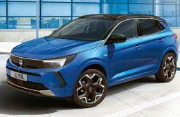 Opel представил обновленный кроссовер Grandland
