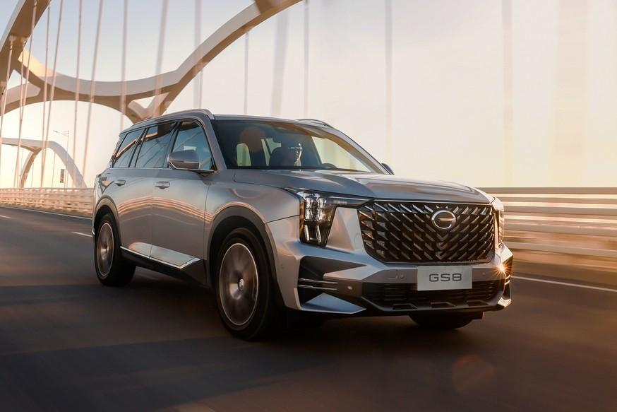 Новый GAC GS8: к «обычному» SUV присоединился гибрид со своим дизайном и системой Toyota