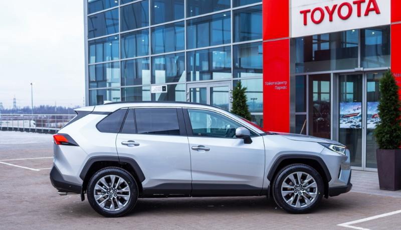 Марка Toyota подняла цены на все модели, кроме одной