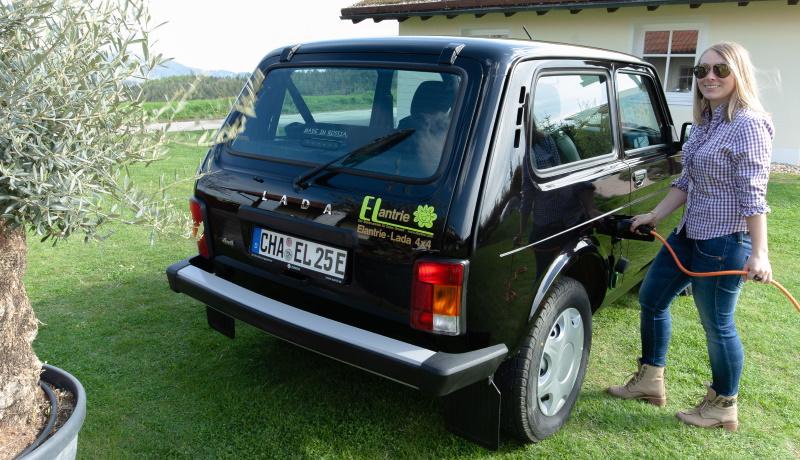 Немецкая компания превратила «Ниву» в электромобиль