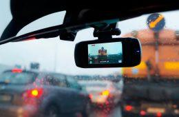 Водителям объяснили, почему видеорегистраторы должны быть у всех