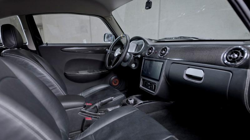 УАЗ Хантер стал электромобилем и вышел на рынок как чешский MWM Spartan EV