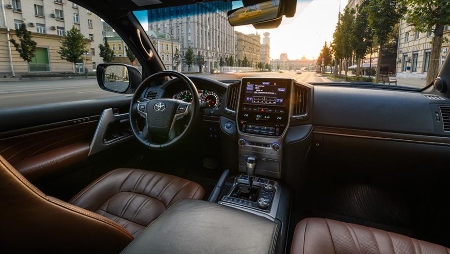Штатные магнитолы Toyota — обеспечьте себя максимальным комфортом в авто