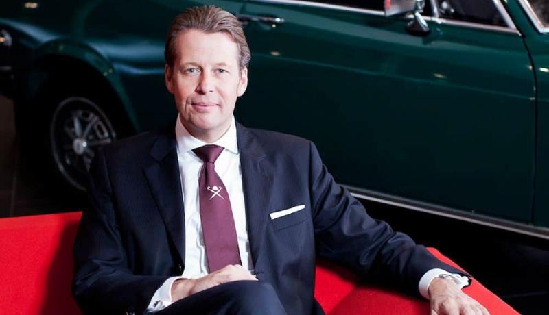 Бывший главный дизайнер Bentley перешёл на работу в Geely