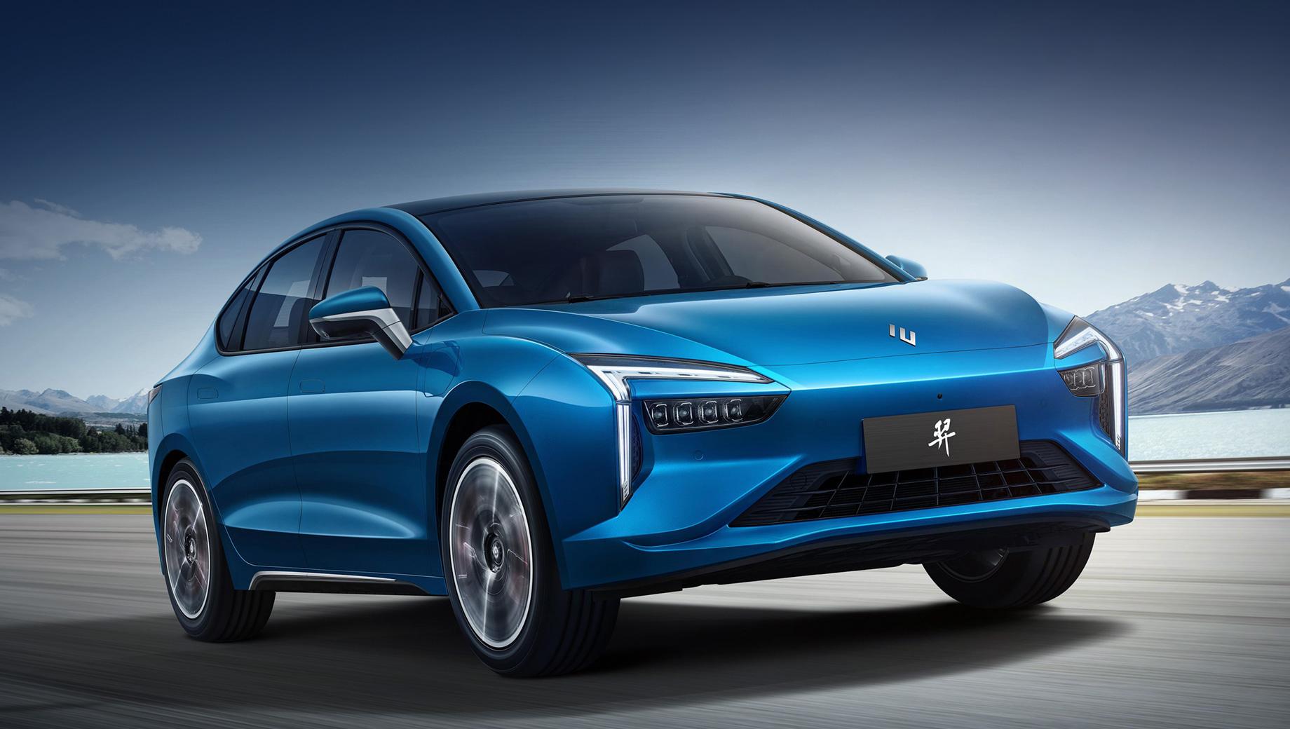 Электроседану Renault Jiangling Yi достался полный привод