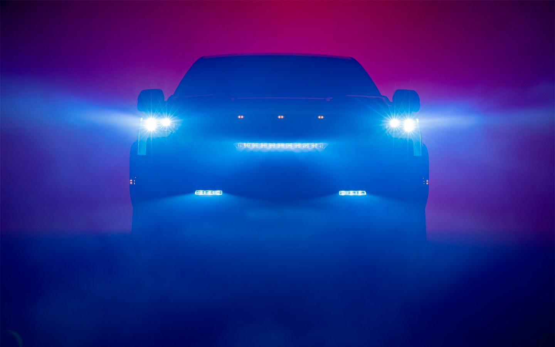 Toyota анонсировала премьеру нового пикапа на платформе Land Cruiser 300