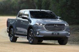 Пикап Mazda BT-50 довели до 2022 модельного года: младший дизель и новые версии